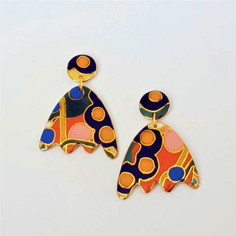 Big bright porcelain flower shaped earrings with gold detailing