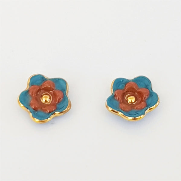 Floral collective studs in pine and rust