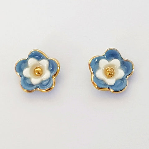 Floral collective studs in gray and white