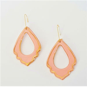 Elegant pink and gold porcelain earrings with frilled edge