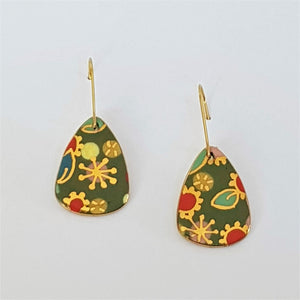 "Green ""Straya"" mini dangle earrings with floral gold design"