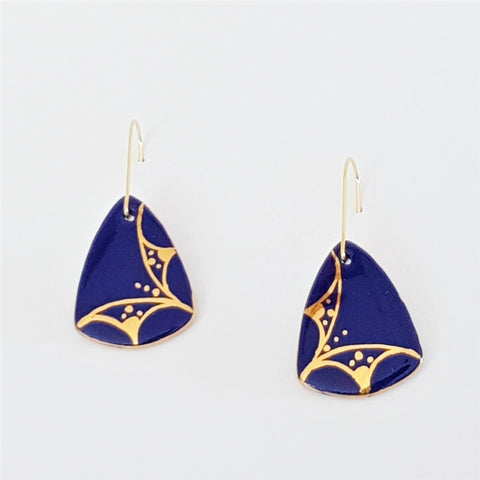 Porcelain mini dangle earrings in deep blue with gold linework