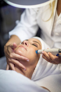 HydraFacial transforms skin, rejuvenates and rehydrates winter skin.