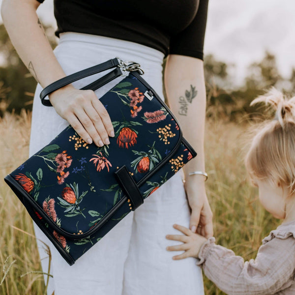 OiOi Change Clutch - Parnell Baby Boutique