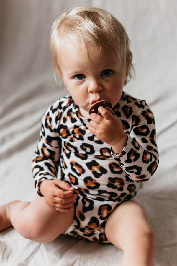 OiOi Girls Onesie Natural Leopard / 0-3M Long Sleeve Bodysuit