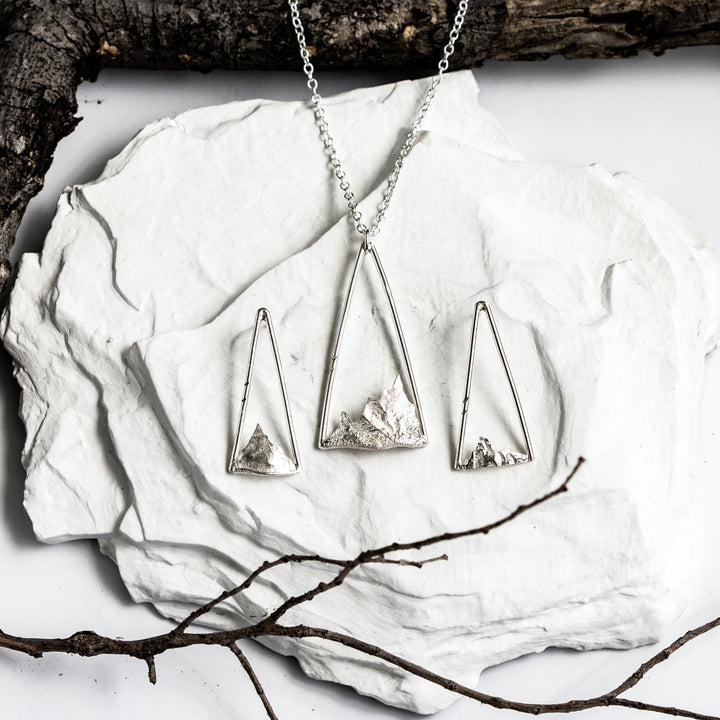 Summit Necklace