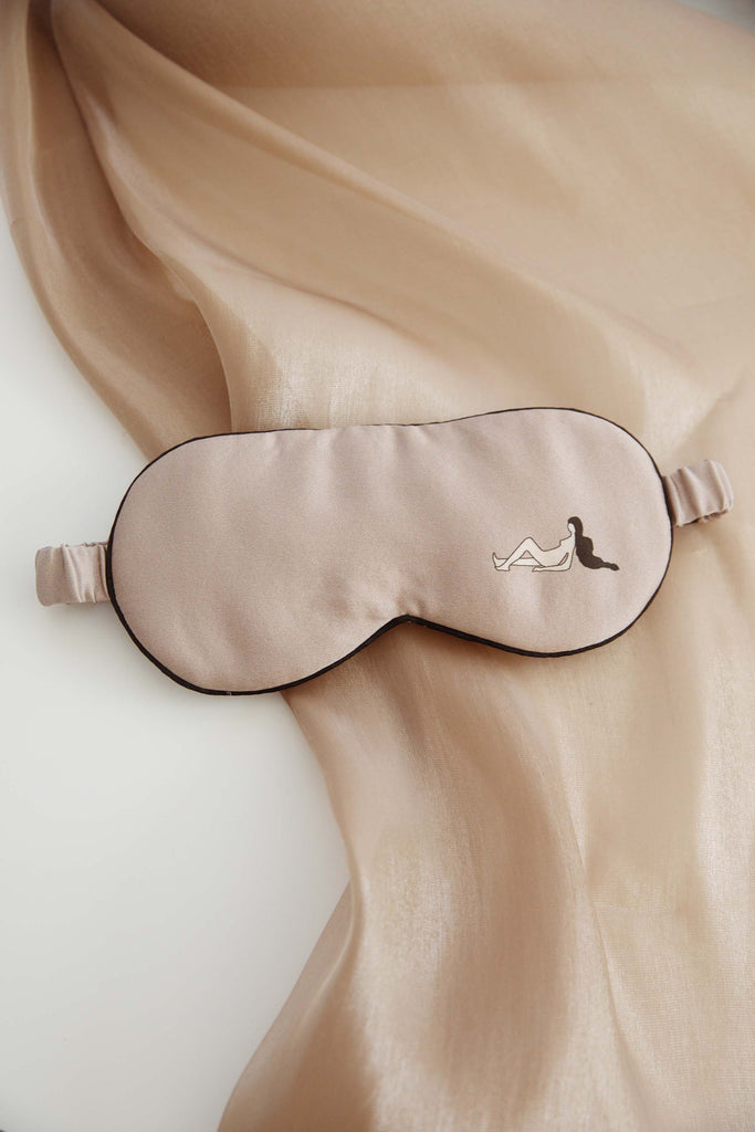 Self in Naked Printed Silk-Satin Eyemask - Woman Side Posture
