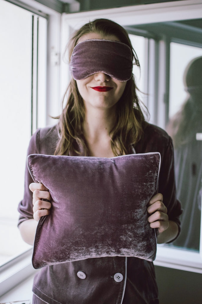 Silk-Velvet Eyemask + Pillow Travel Set-Mauve Sea Fog