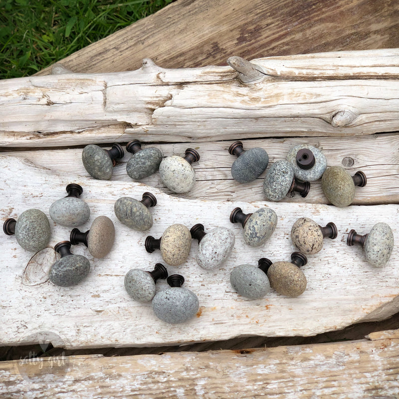 Natural Maine Beach Stone Knobs - 1 Knob