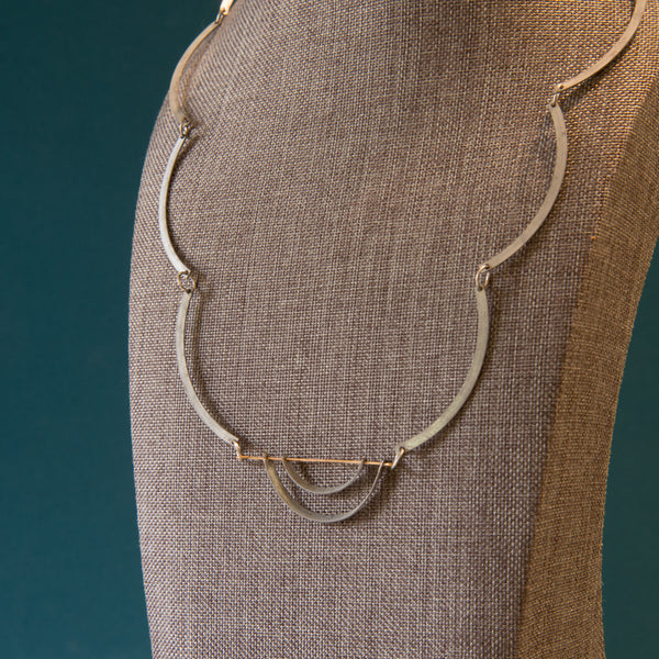 Nested Arcs Necklace With Scalloped Slinky Chain Links