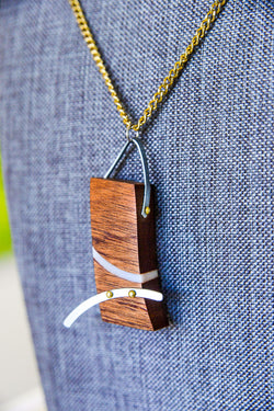 Metal River in the Wood Necklace