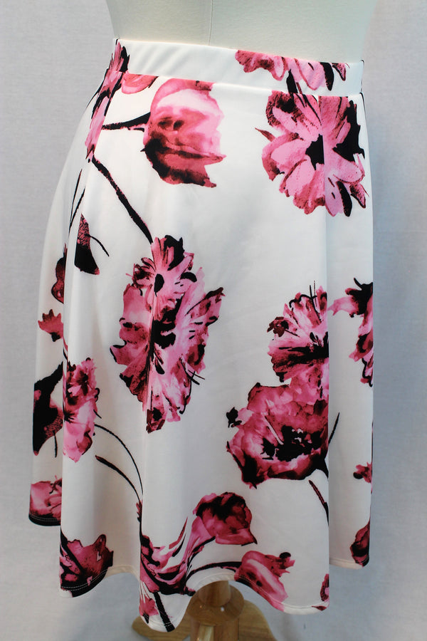 Floral Skirt - Curvy - Lotus Ave. Boutique
