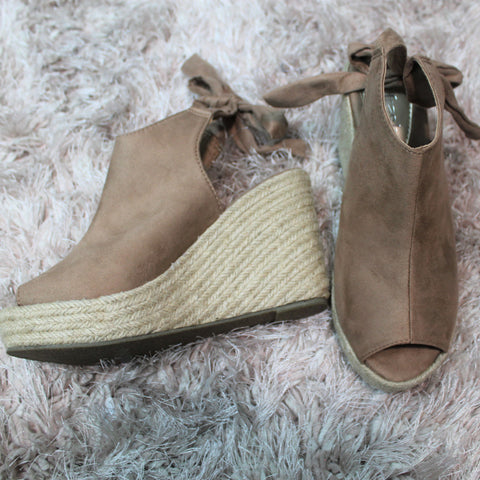 Rise To The Occasion Wedges - Lotus Ave. Boutique