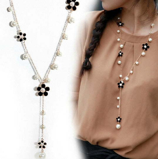 Floral Y-Necklace with Faux Pearls in Black and Silver