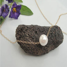 Load image into Gallery viewer, Delicate Faux Pearl Necklace