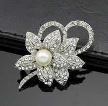 Load image into Gallery viewer, Vintage Brooches in Various Designs
