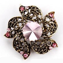 Load image into Gallery viewer, Vintage Broach in Various Designs