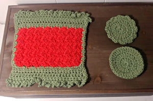 Crocheted Wash cloth set, Green and Red