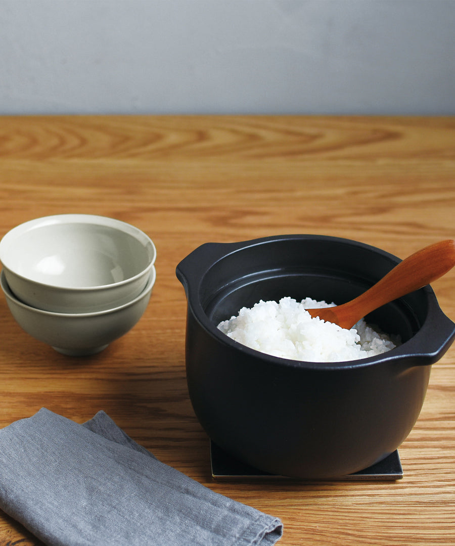 Kakomi Rice Cooker (Black) by Kinto