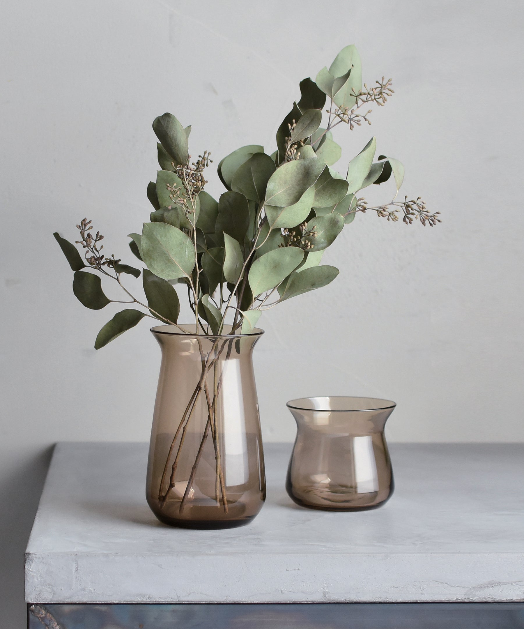 Luna Vase S (Brown) by Kinto