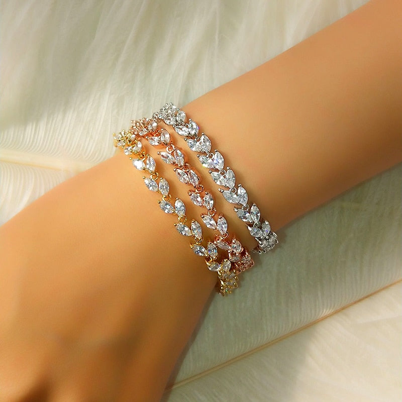 Leafly Jeweled Bezzel Bracelet