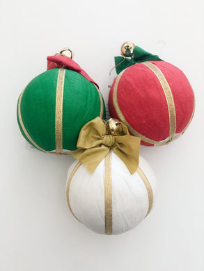 Holiday Ornament Surprize Ball