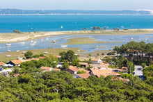 Cruise through the Aquitaine Region from Bordeaux to Royan, along the Gironde Estuary and the Garonne and Dordogne Rivers (port-to-port cruise)