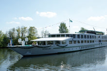 Taking in 3 countries: The Danube and its traditions (port-to-port cruise)