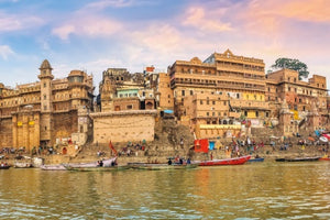 Cruise on the Ganges: The Sacred Waters between Kolkata and Varanasi (port-to-port cruise)