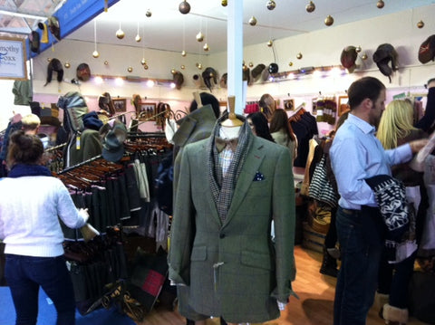 Tweed stand looking Foxxy