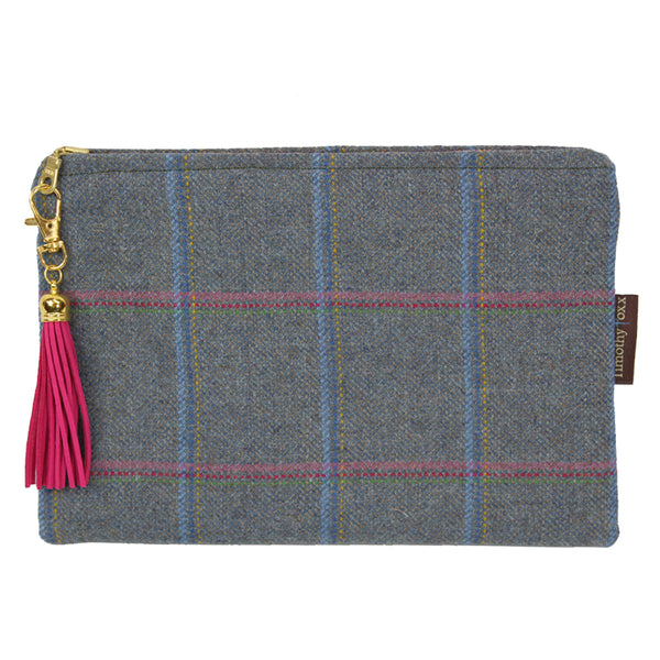 Medium Clutch Bag in Igloo Tweed