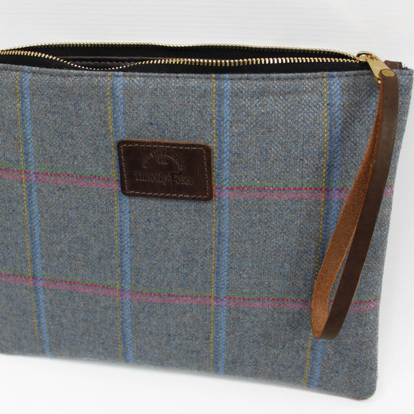 Clutch Bag in Igloo Tweed