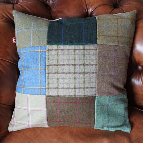 Tweed Cushion with Foxxes
