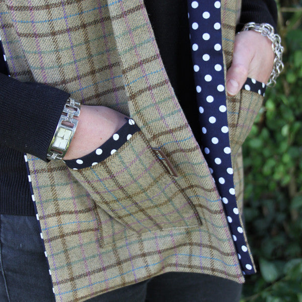 Tweed Scarf with Pockets