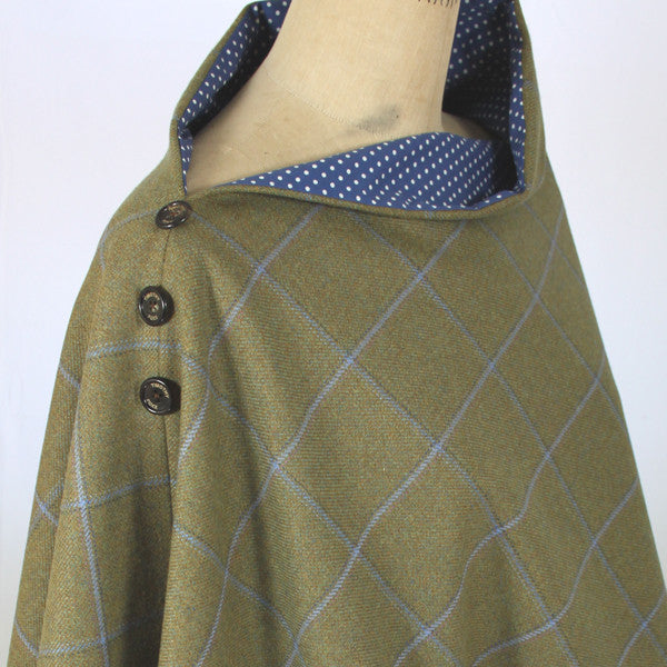 Tweed Poncho in Amber