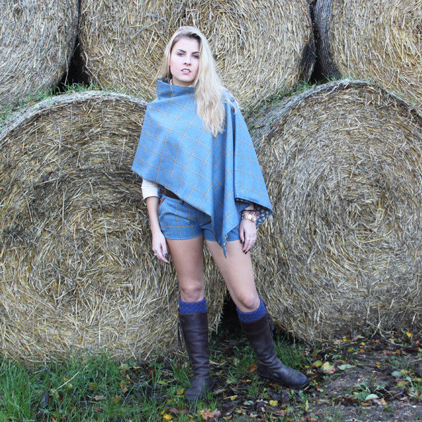 Tweed Poncho in Foxglove