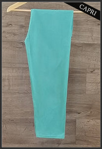 Plus-size-solid-capri-leggings-mint-arrow-trend-leggings
