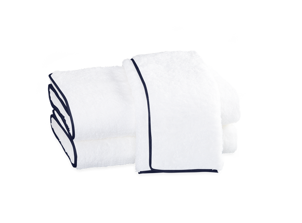 Cairo Bath Towel with Straight Piping