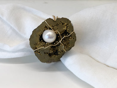 Napkin Ring • Gold Drusy Pearl