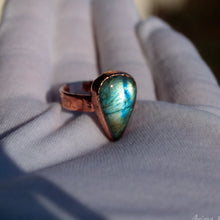 Load image into Gallery viewer, Stackable Copper Ring with Stone