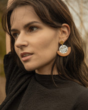 Load image into Gallery viewer, THE GLEAMING Earrings