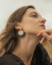 Load image into Gallery viewer, THE CAPTIVATING Earrings
