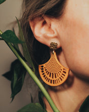 Load image into Gallery viewer, THE SUNNY Earrings