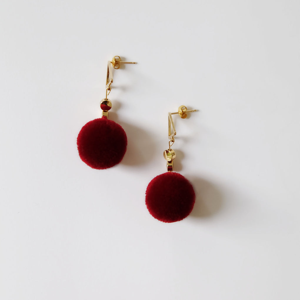 THE MIRRORS DEEP RED POMPOM 18K GOLD-PLATED DROP EARRINGS