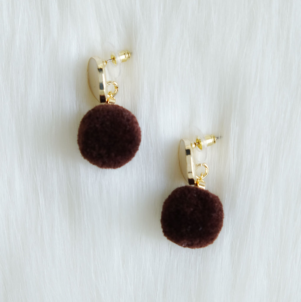 BROWN POMPOM WHITE STUD EARRINGS