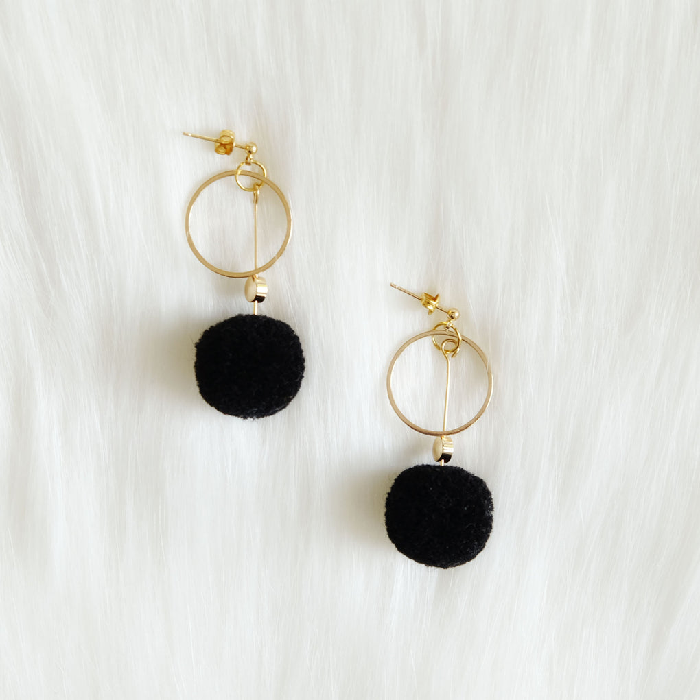THE MIRRORS BLACK POMPOM 18K GOLD-PLATED DROP EARRINGS
