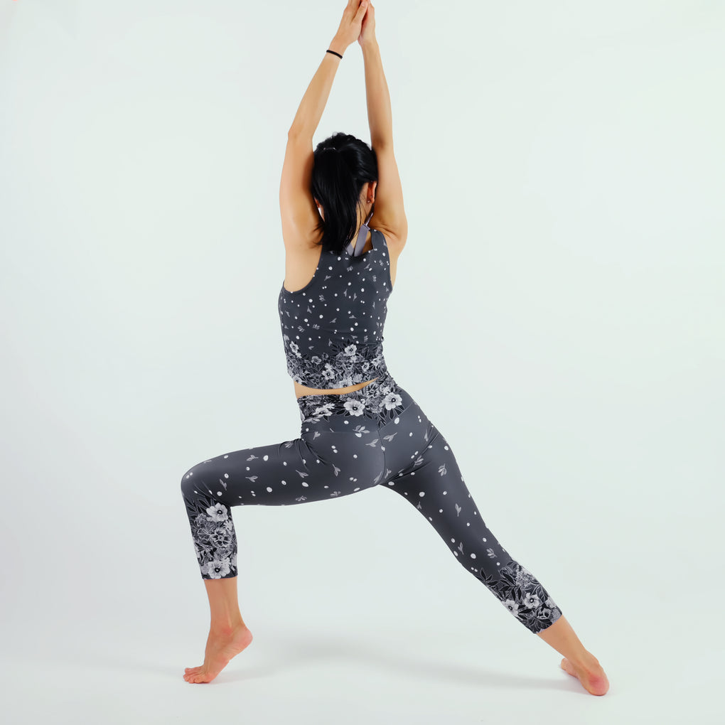 WHITE FLORAL GRAY HIGH WAISTED YOGA SCULPTED CAPRI LEGGING
