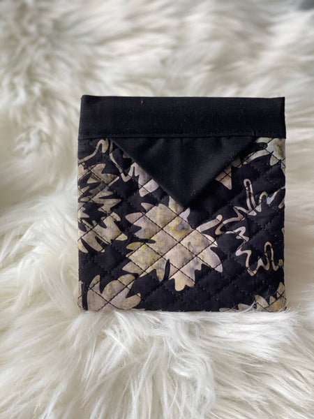 Black with leaves snap pouch