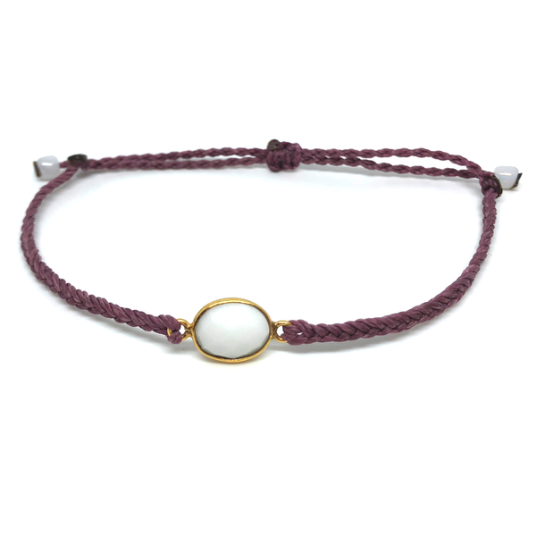 image of White Agate gemstone bracelet mauve