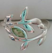Ring Peridot Leaf Design Sz 4